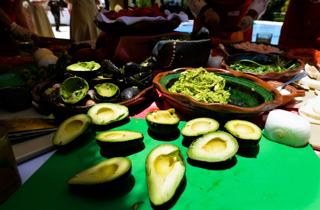 GG RTW Mexico Avocado Cook LR