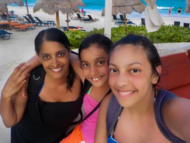 GG RTW Mexico July Girls 2 PDC LR