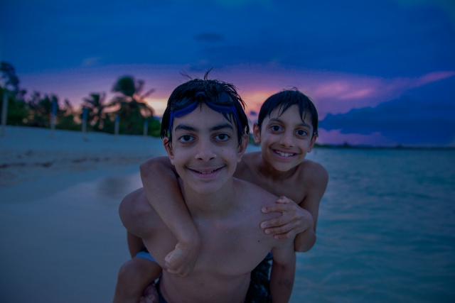 GG RTW Mexico Ryan Danny Beach PDC LR